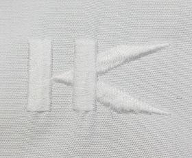 ブラウスの刺繍